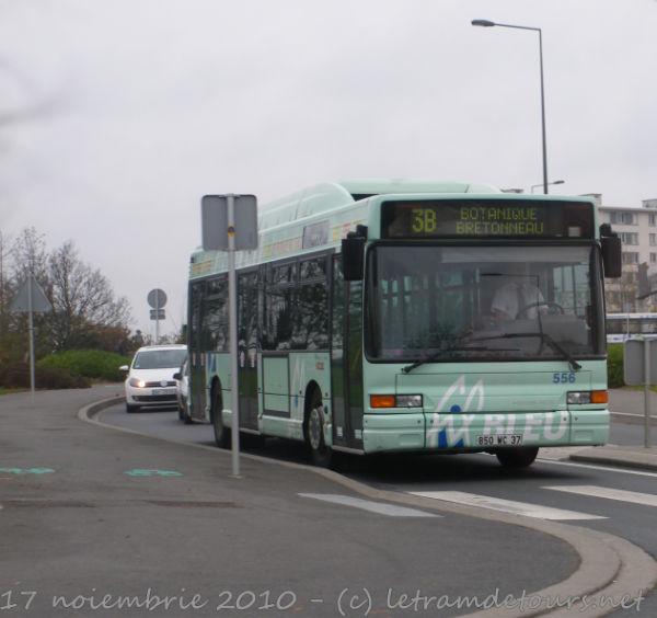 Présentation des bus 556%20Heuliez%20GX317%20GPL%20-%2017%20novembre%202010%20(Avenue%20de%20Florence%20-%20SPDC)