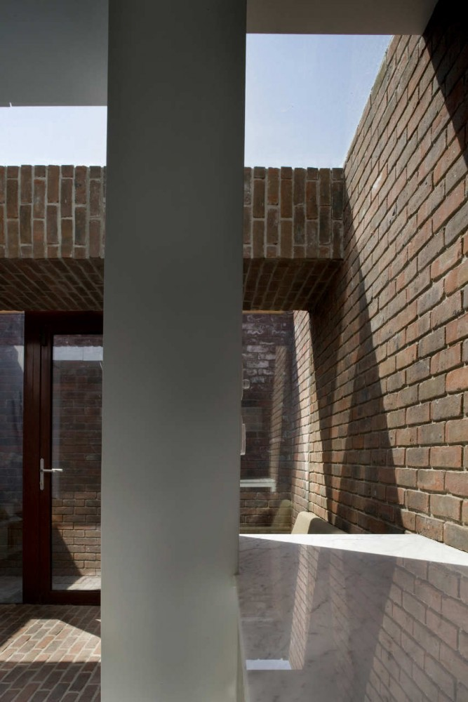 Casa Brick a Back - Architecture Republic