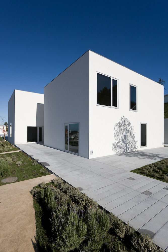 House-in-Pousos,Ricardo-Bak-Gordon,architecture,design,House