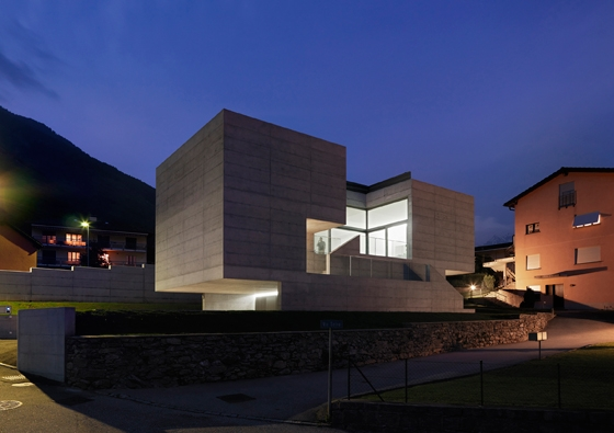 House in Lumino - Davide Macullo Architects