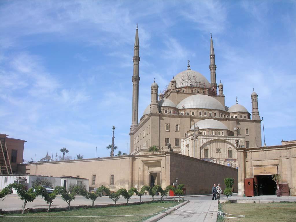 ここ、チケット売り場から坂を上りきった所だそうです。 :ムハンマド・アリー・モスク