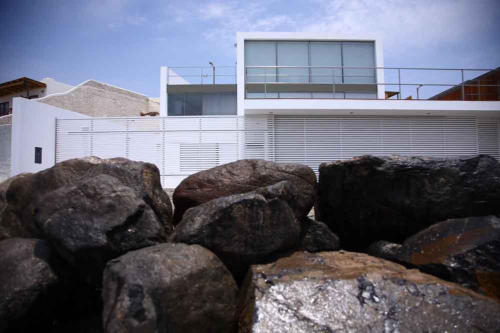 Casa en Playa Punta Hermosa - Arq. Juan Carlos Doblado