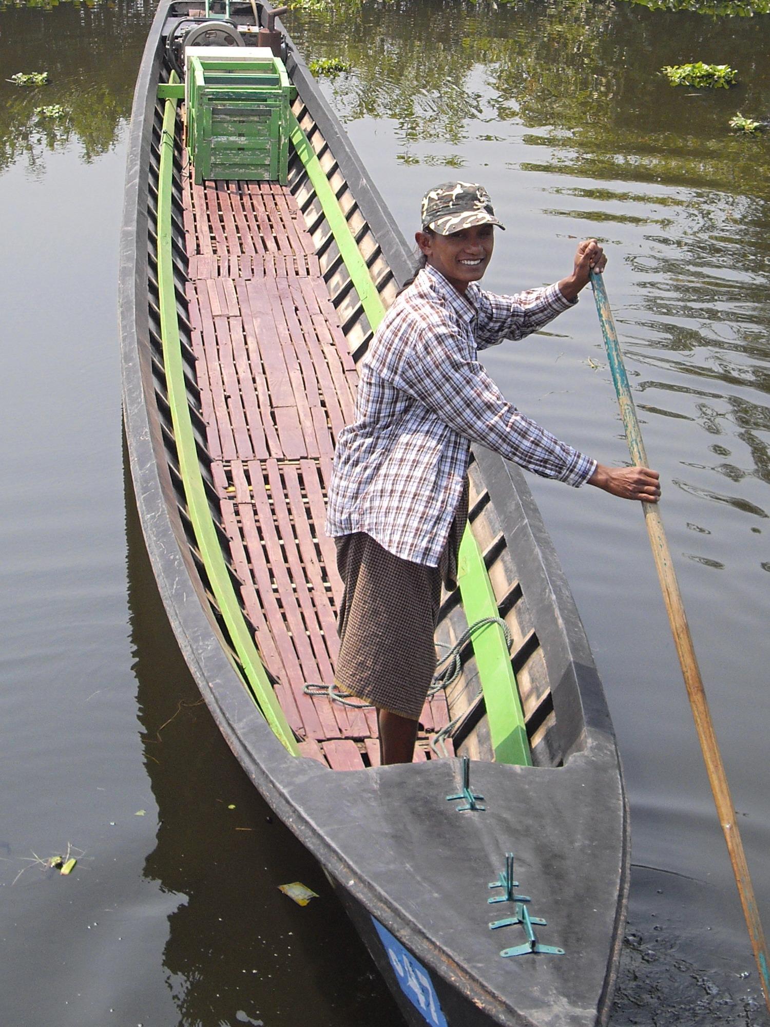 Traversée barque à Inlé
