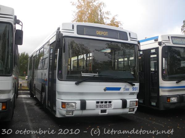 Présentation des bus 951%20Renault%20PR112