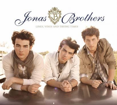 http://pnyt9w.bay.livefilestore.com/y1pIwzgD_nRjtITYaI5dYF6AYEuB_OGNzHB9vP_vaHy-b30KmtSlAoU8veaaj4Sm7TN-IX55eogZyLi6kOpX50tTRq1_OQxqEWU/the-jonas-brothers-album-cover.jpg