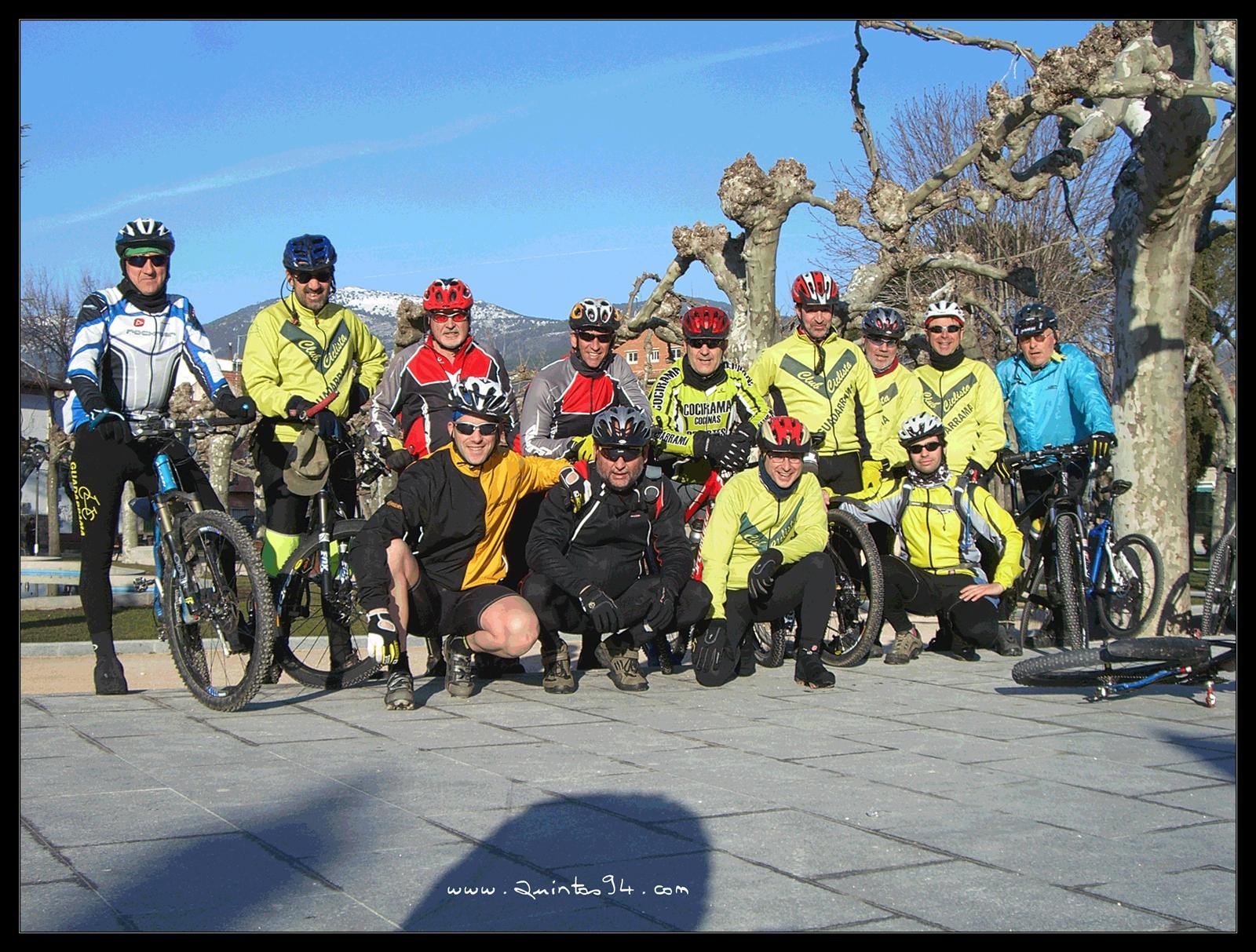 Club Ciclista Guadarrama. A la salida de la Ruta.